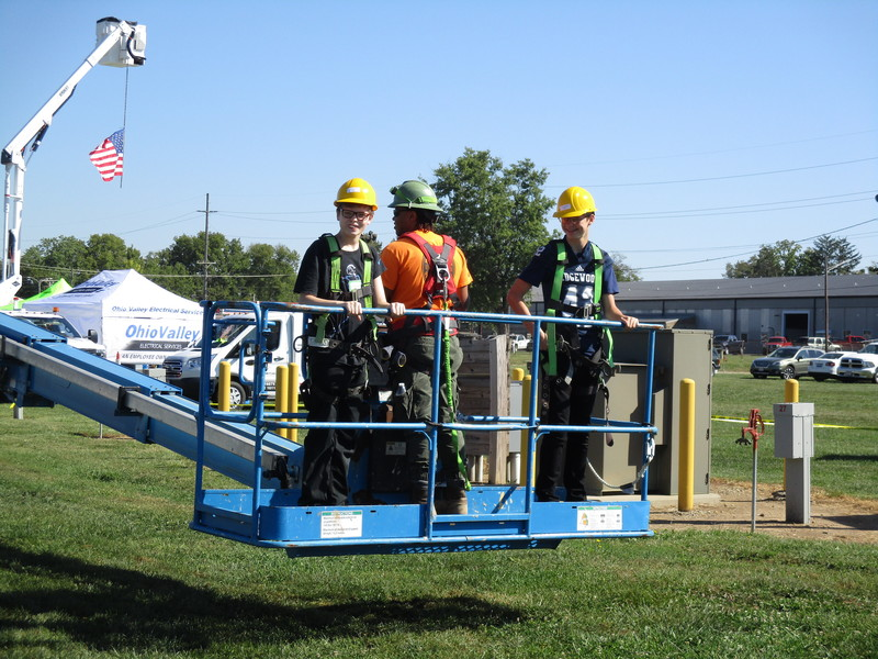 EMS students at OKI Construction event